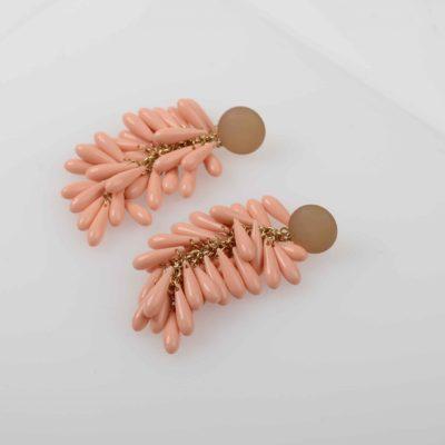 aro rosa de resina largo con lagrimas