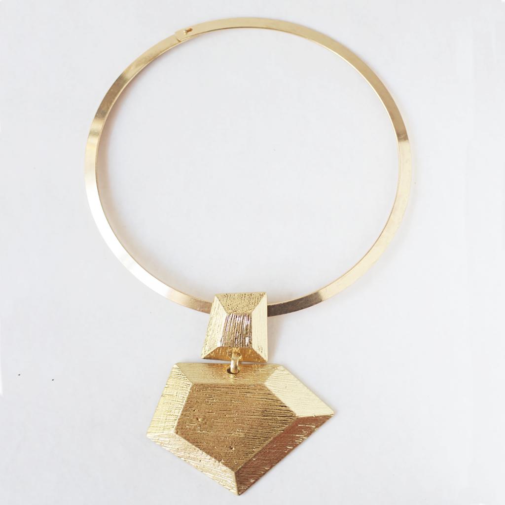 Collar geométrico rígido