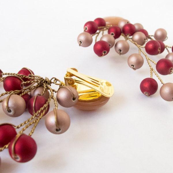 aros de clip rosa y rojo