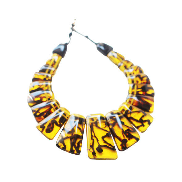 collar corto de resina comprar online