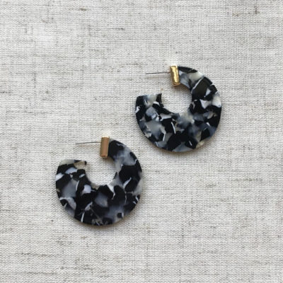 argollas de resina blanca negra y gris