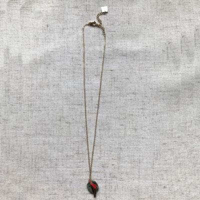 colgante de cadena con pluma