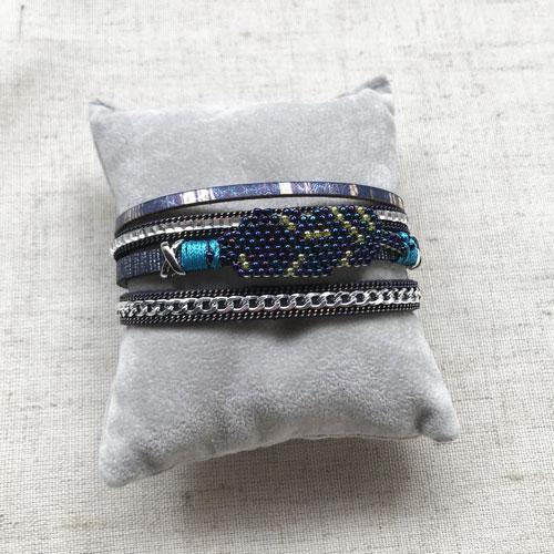 pulsera de cuero azul
