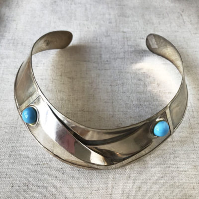 collar rigidio plateado cpn turquesa
