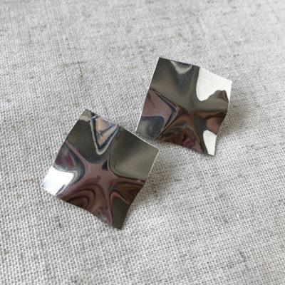 aro plateado corto de metal