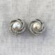 aros cortos de perla copn plateado
