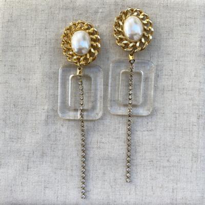 aros de perlas y resinas