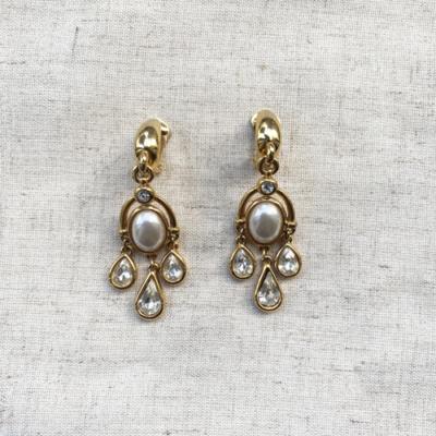 aros largos con perlas