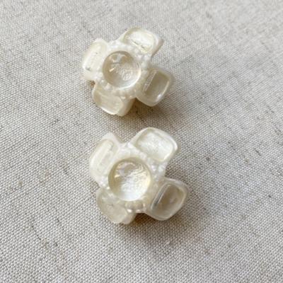 aros blancos cortos de resina
