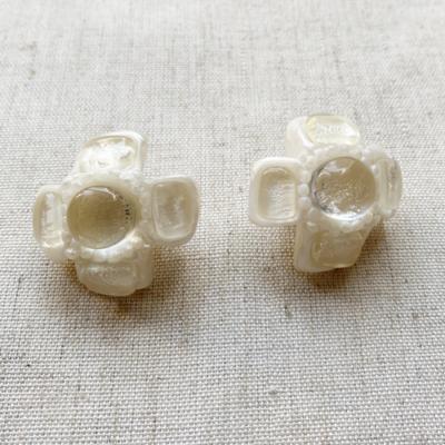 aros de resina cortos blancos