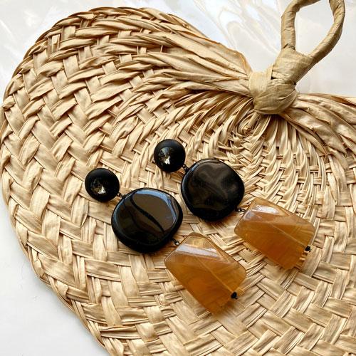 Aros de resina negros y beige