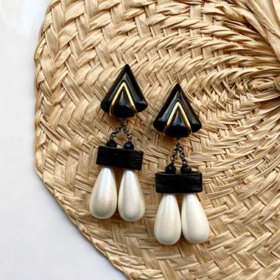 aros negros con perlas