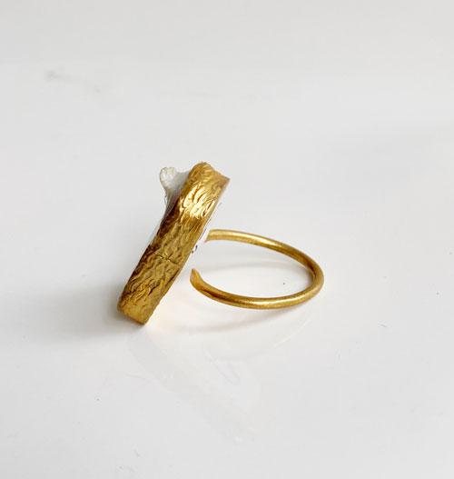 anillo nacar bañado en oro
