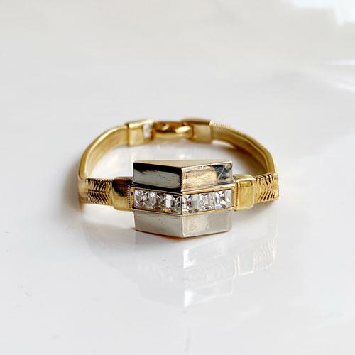 pulsera dorada de cadena