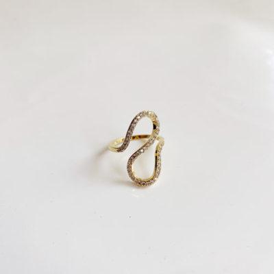anillo de zircon