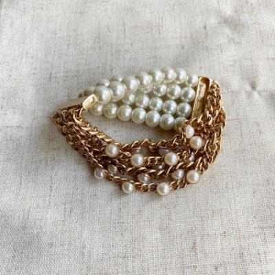 pulsera de perla y cadena