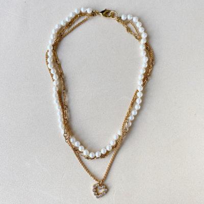 collar de cadenas con perls