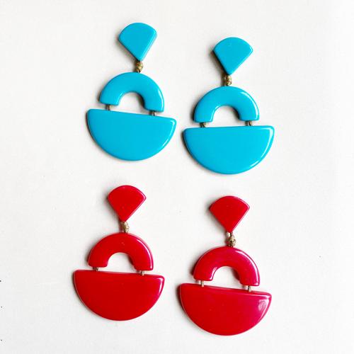 aros de resina rojo y turquesa