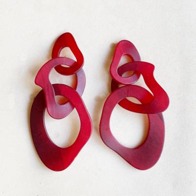 aros rojos de resina largos