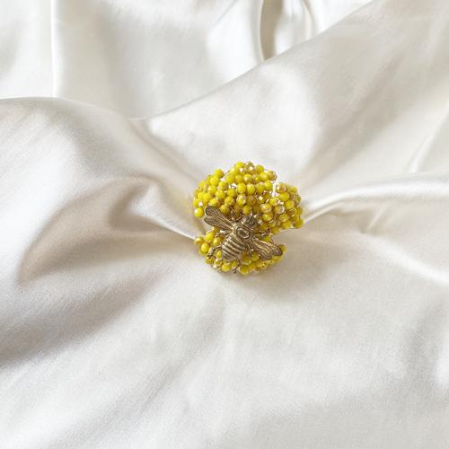 anillo de flor de cristales