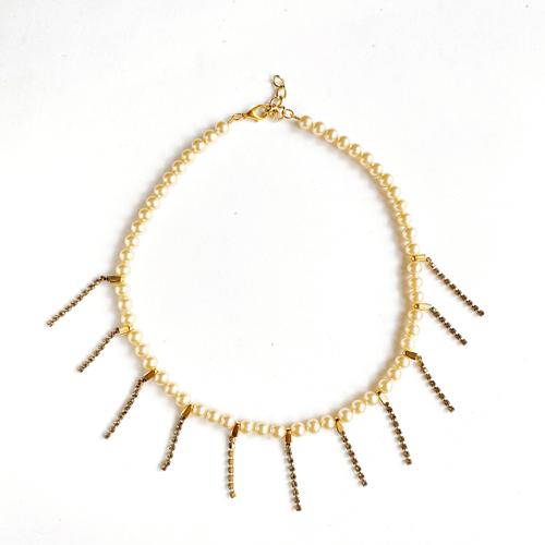 collar corto de perlas con strass