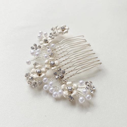 tocado de perlas y cristal