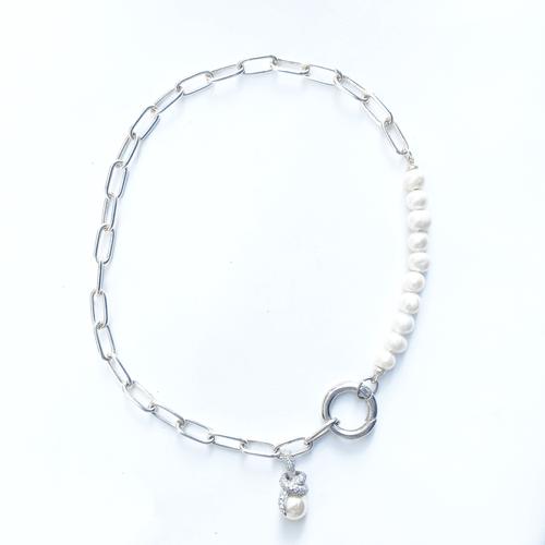 collar perla con cadena plateada