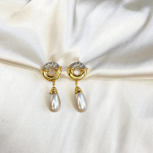 aros con perlas y cristal
