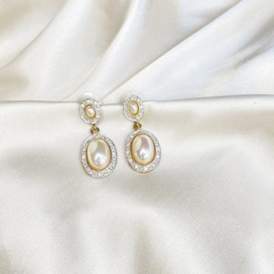 aros de perlas con strass