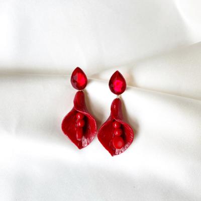 aros rojos de resina y cristal