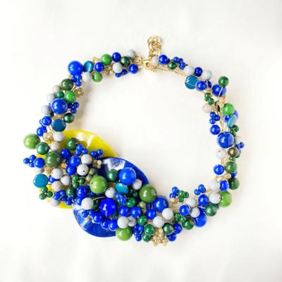 collar de rama azul