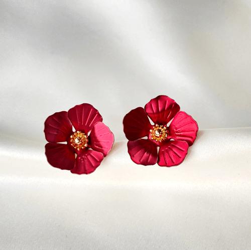 aros de flores rojas