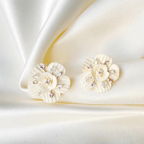 aros blancos y de flores